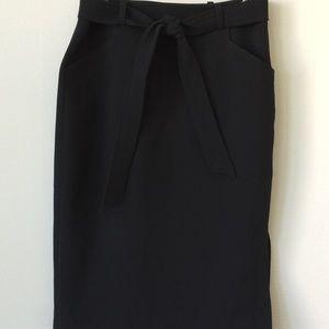 Banana Republic Side Spilt Pocket Skirt w/Toe Belt